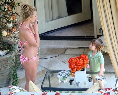 фото мам с дочерьми голые дома